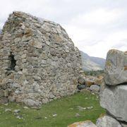Средневековый склеп