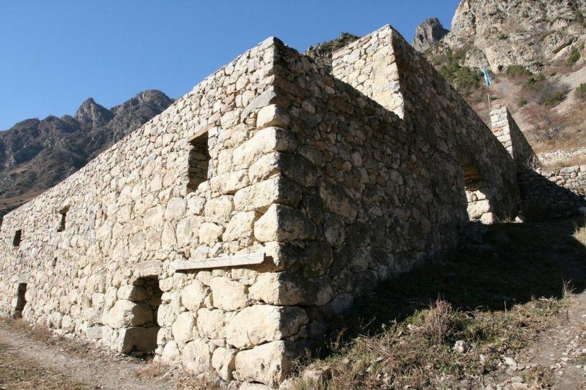 Верхне-Балкарский родовой дом Жангуразовых (XVII век)